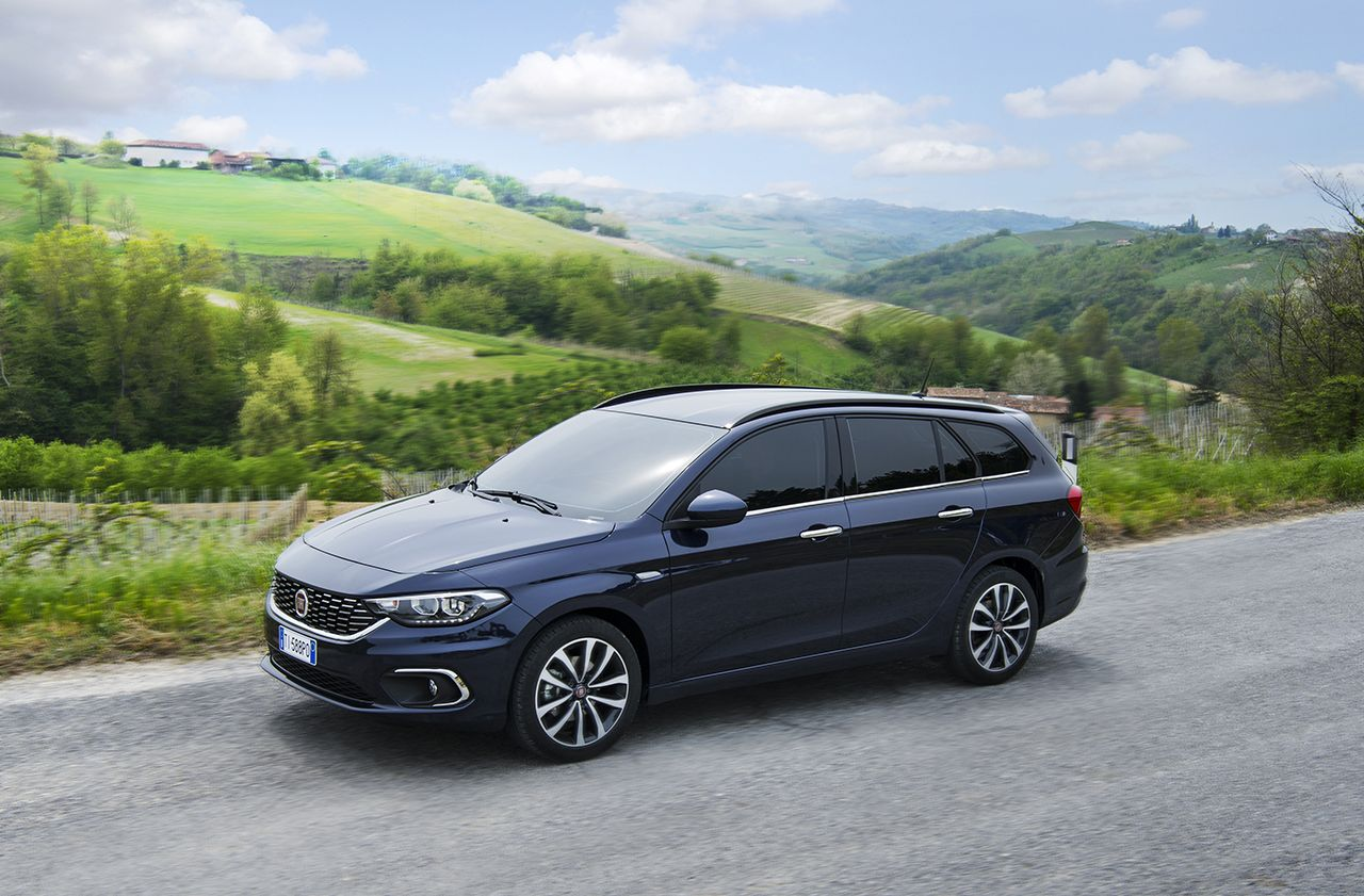 160502_Fiat_Tipo-station-wagon_03